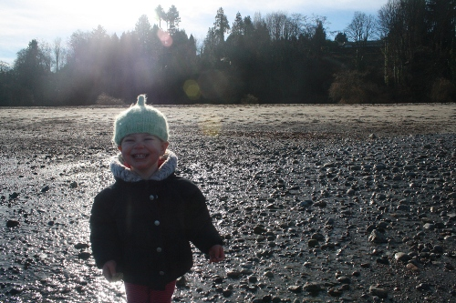 claire grinning at spanish banks